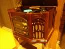 レコードプレイヤーを置く棚を作りました。